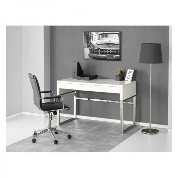B32 íróasztal